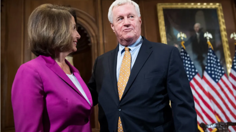 Pelosi heaps praise on Peterson